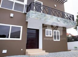4 bedroom townhouse for rent at airport residential