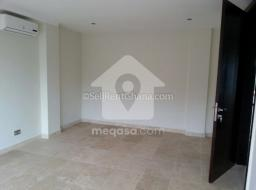 2 bedroom apartment for rent at Airport Residential